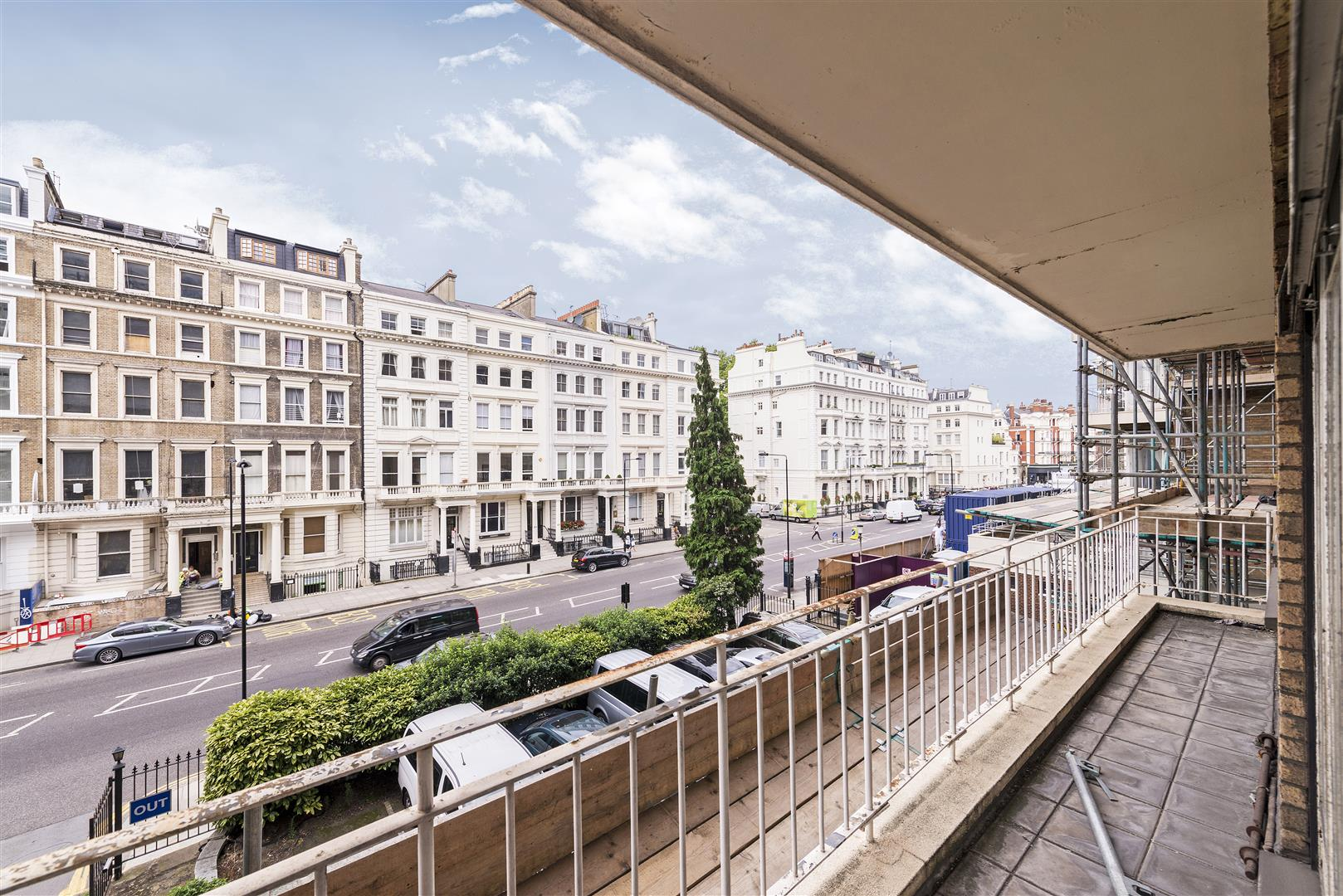 2 Bedrooms Flat for sale in Campbell Court, Queens Gate Gardens, Kensington, London SW7